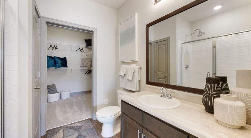 Modern apartment bathroom at Cortland Huntersville