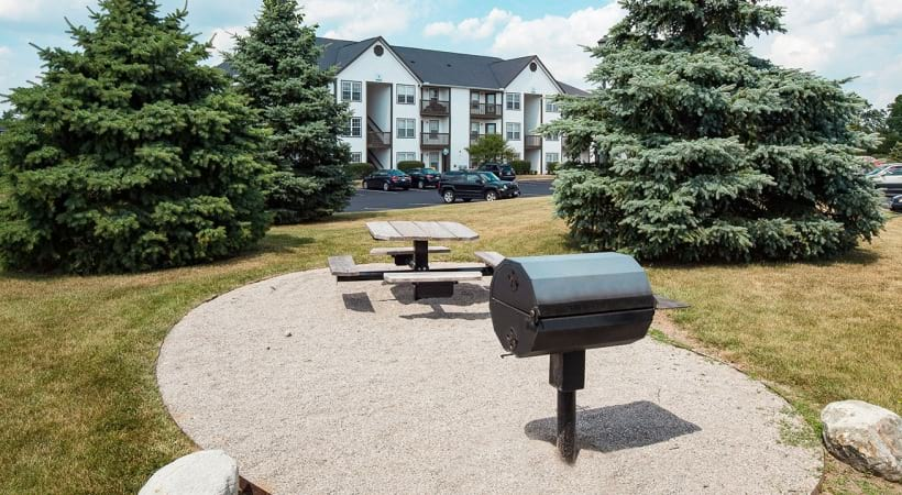Picnic Areas with Barbecue Grills at Abbie Lakes by Cortland