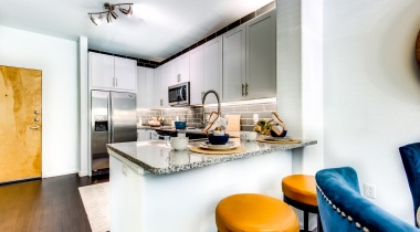 Spacious kitchen at our modern apartments for rent in Highlands Ranch, CO