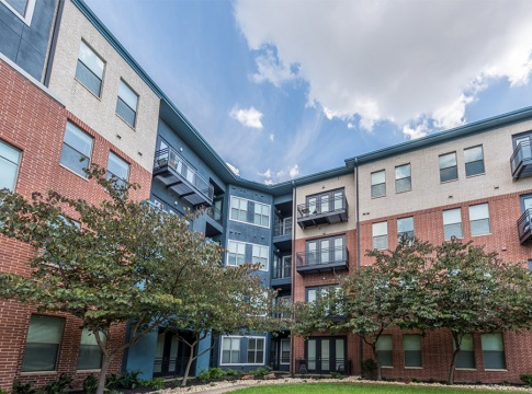 Apartments with balconies at Cortland Galleria