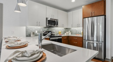 Luxury apartment kitchen at Cortland Westshore in South Tampa