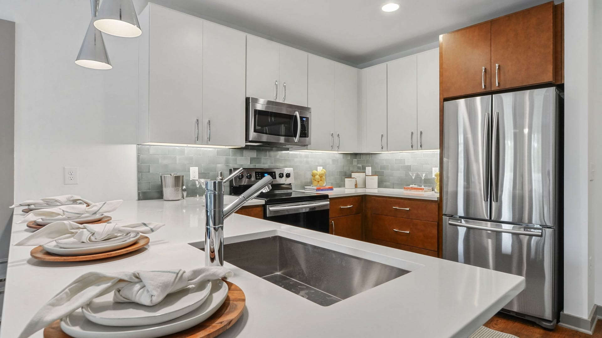 Designer kitchen at apartments in South Tampa, FL
