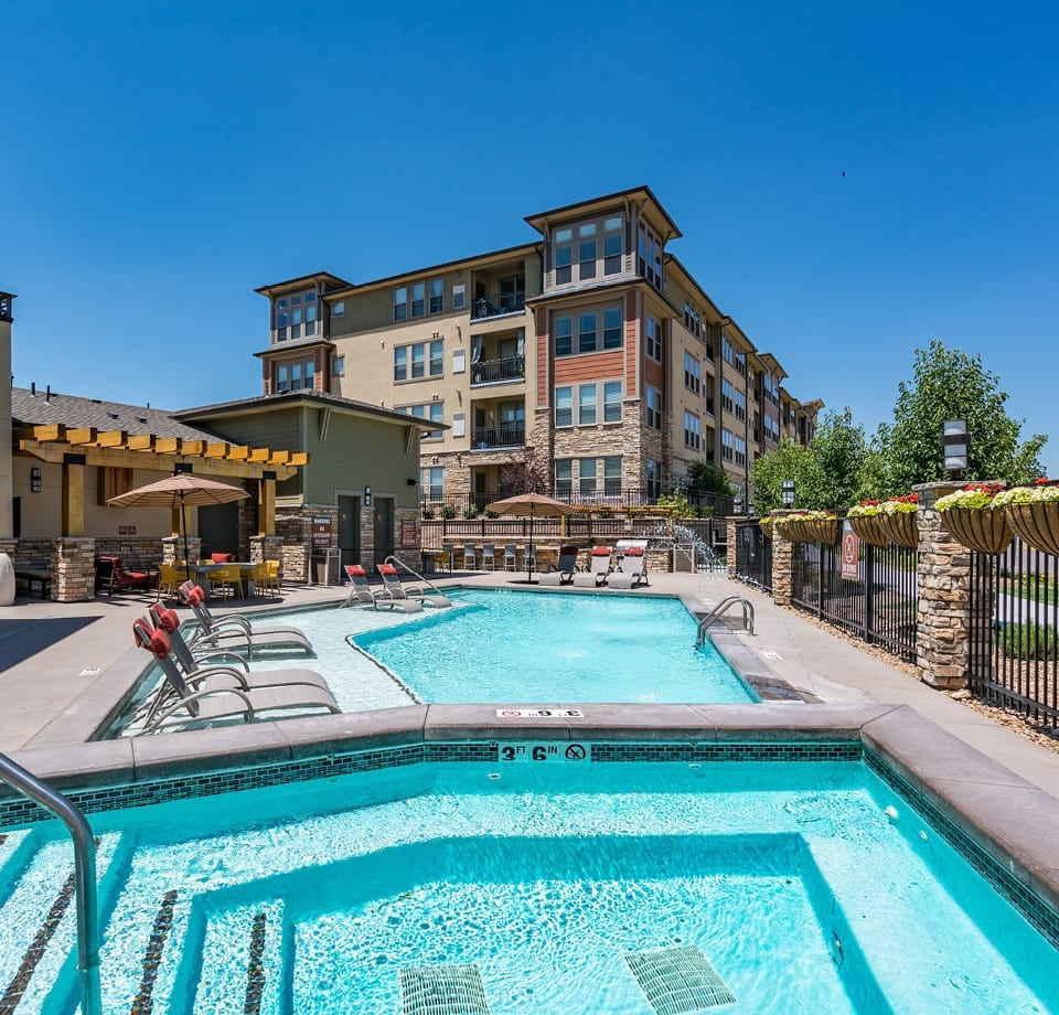 Town Center By Cortland: Pet Friendly Apartments In Broomfield, CO