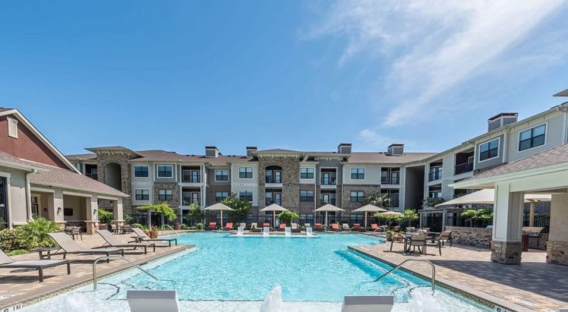 Resort style pool at Cortland Vue Kingsland near Houston