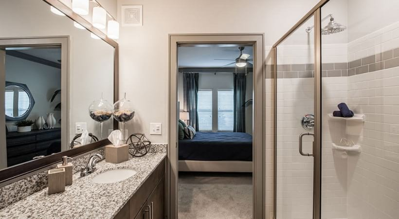 Apartments with Walk in Shower