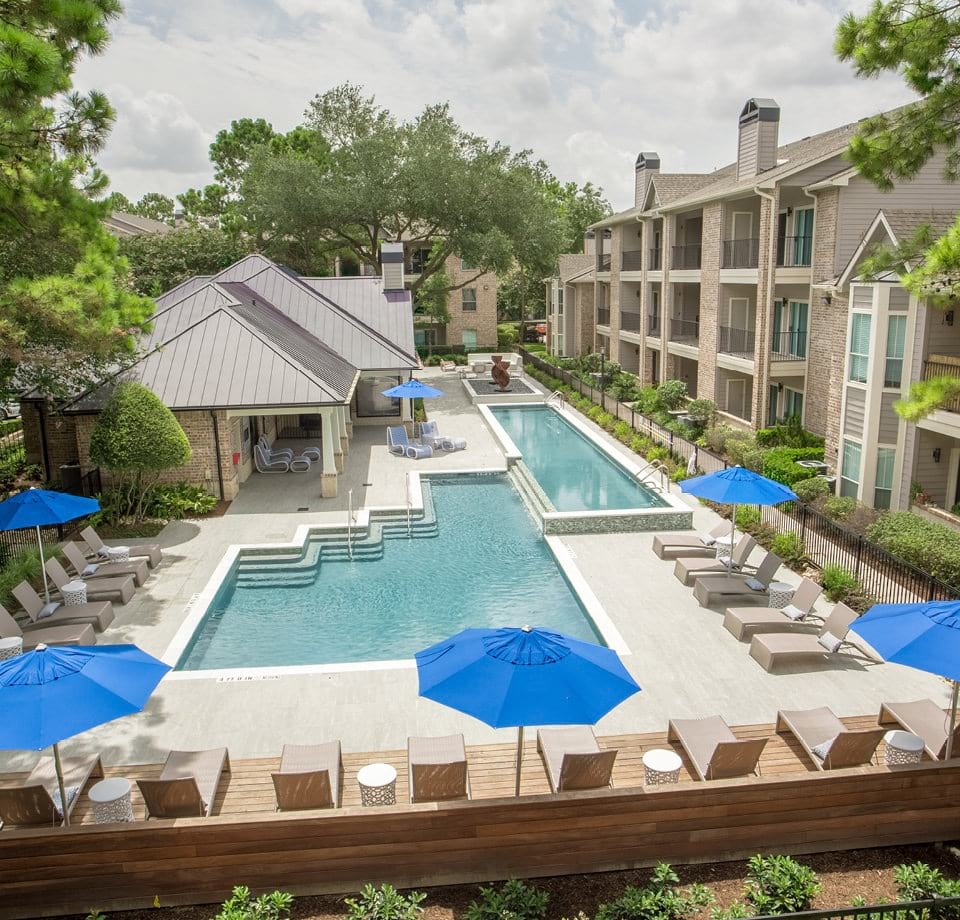 Town Center By Cortland: Pet Friendly Apartments