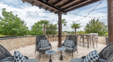Outdoor lounge at Fossil Creek apartments
