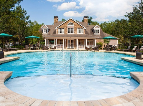 Apartment pool with clubhouse