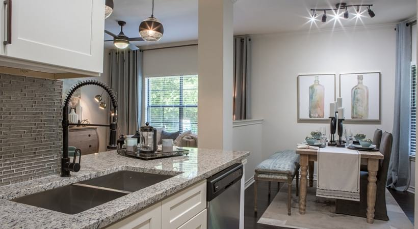 Kitchen and dining area at Cortland North Beach