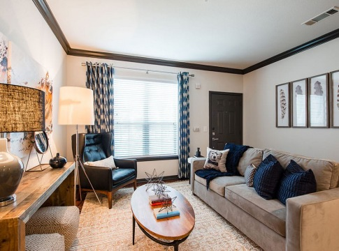 Modern apartment living room at Cortland Lakemont