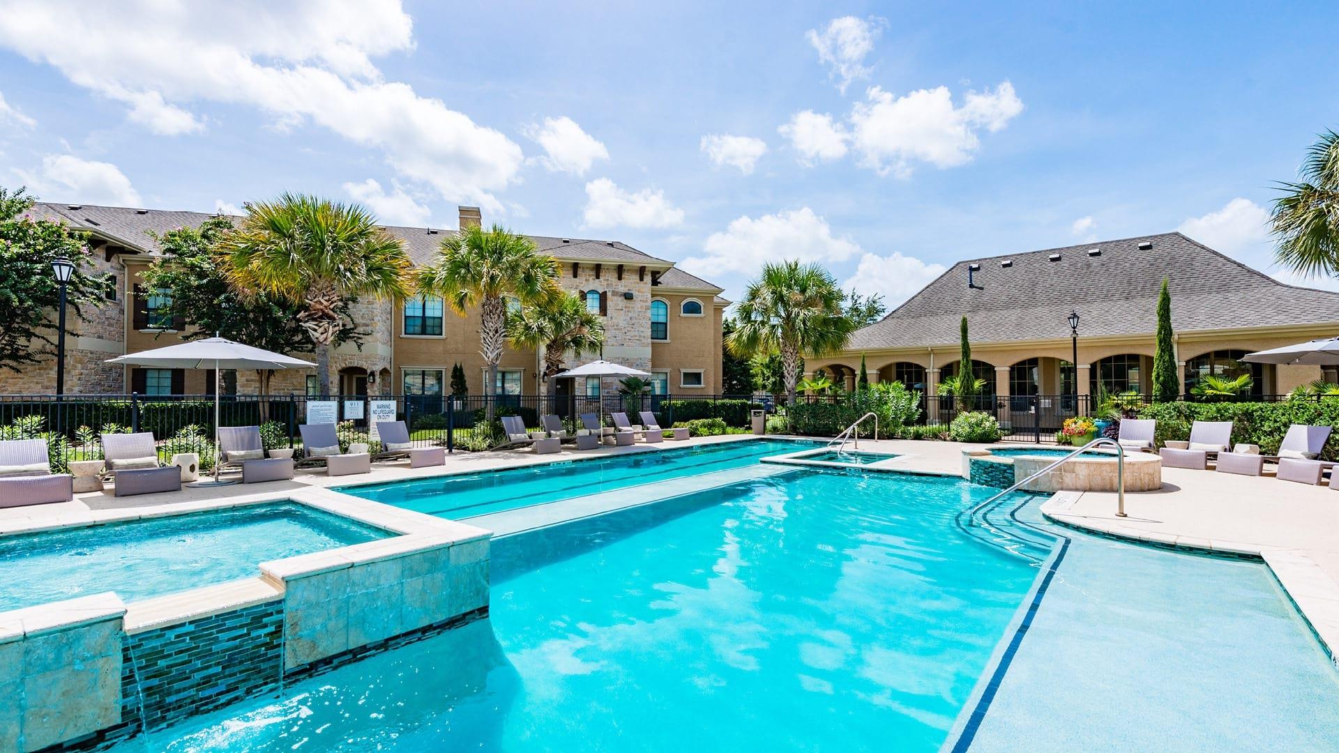Apartment pool at apartments in Richmond TX