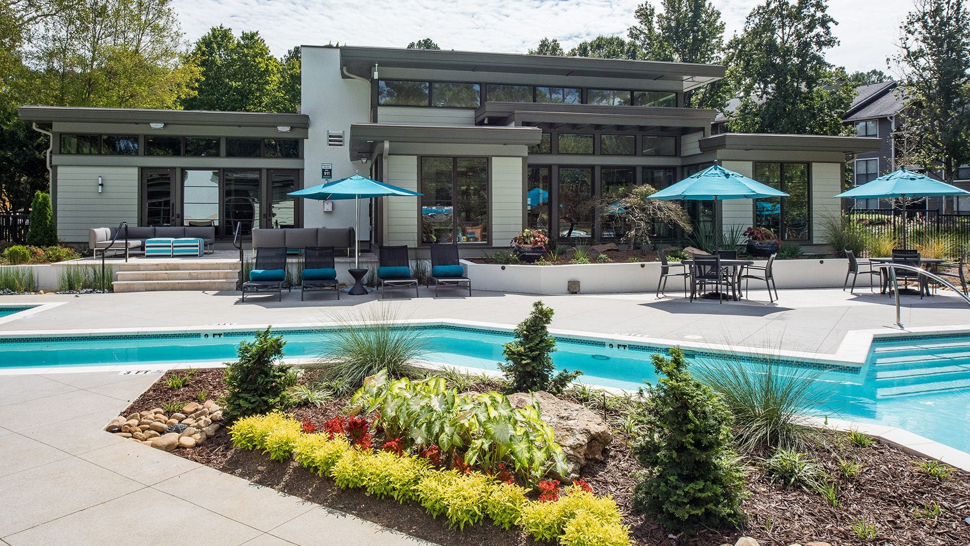 Apartment pool and sun deck at Viridian by Cortland