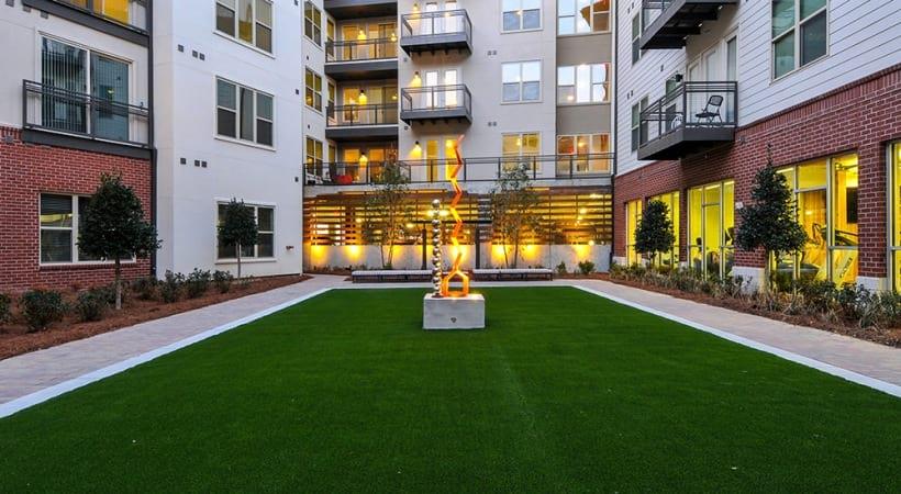 Courtyard at Cortland at Phipps Plaza