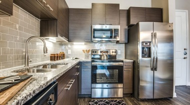 Las Colinas apartments with stainless steel appliances