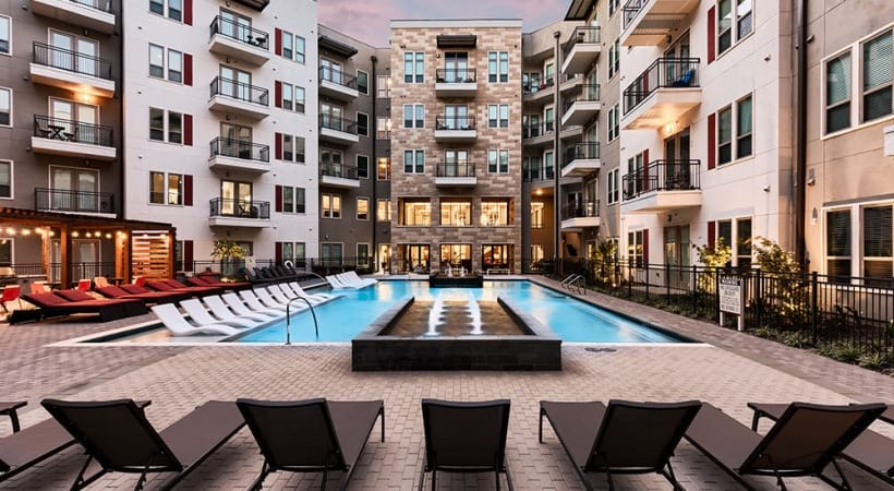 Las Colinas, TX apartments with swimming pool