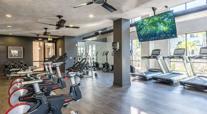 Lake Monroe apartments with fitness center