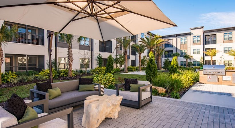 Apartments for rent in Sanford, FL with outdoor lounge