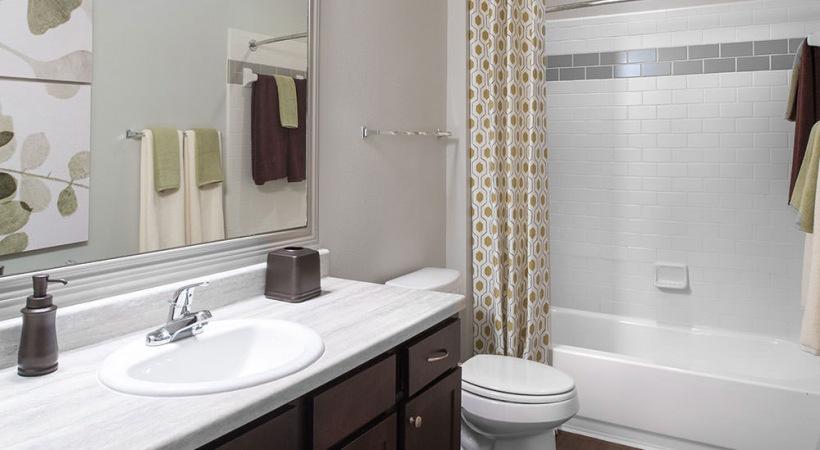 Deep-Soaking Bathtubs