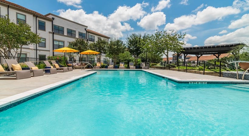 Our Lake Travis apartment pool and sun deck