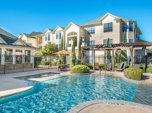Apartment Pool at Tradewinds at Willowbrook