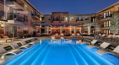 Resort style pool at apartments near Dallas Farmers Market