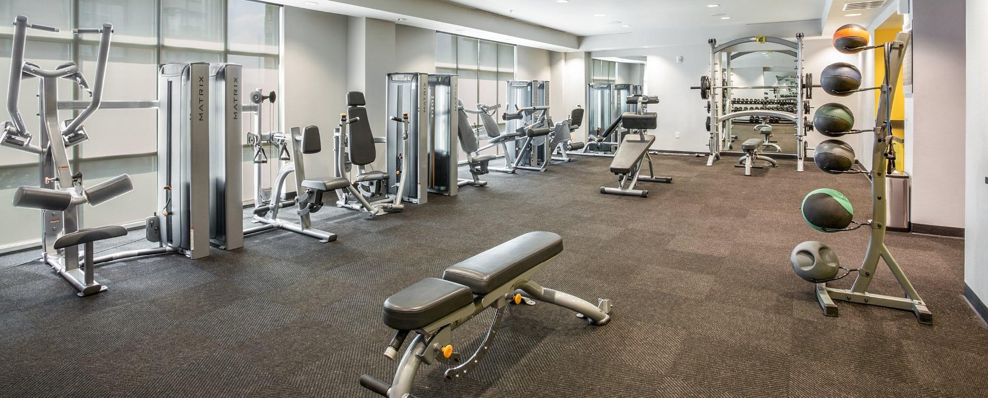 Apartments Gym at Cortland Oak Lawn
