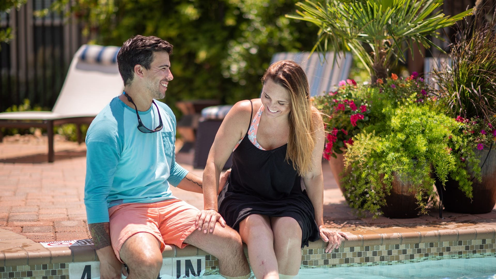 Cortland League City residents enjoying resort style pool