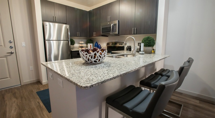 Kitchen Islands with Granite Countertops