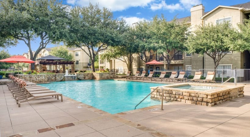 Resort-style pool at our luxury apartments in Irving