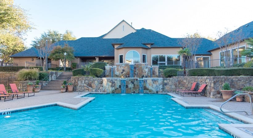 Arbor Hills apartments with swimming pool