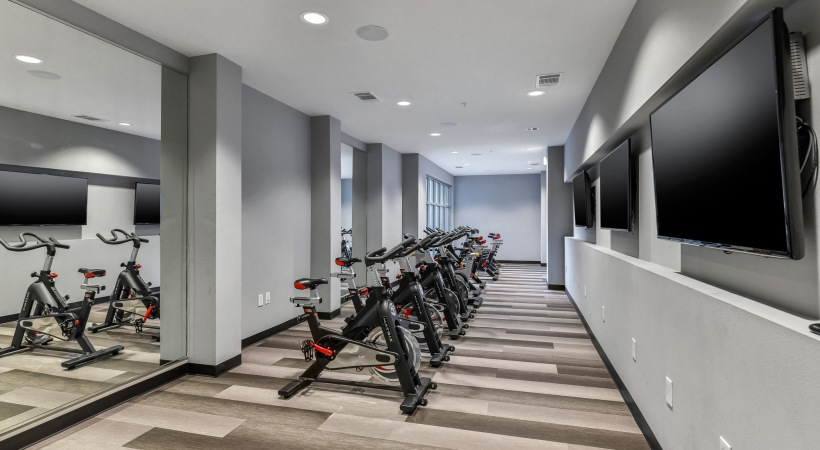 Luxury Dallas, TX apartments with spin studio