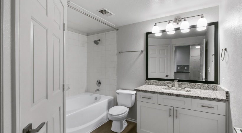 Apartment bathroom with bathtub at Arbor Hills apartments