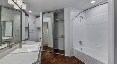 Euless apartments with spacious bathrooms