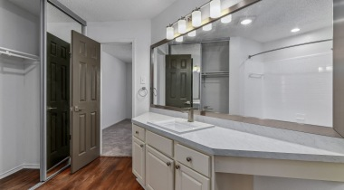 Spacious apartment bathroom at Fountain Wood