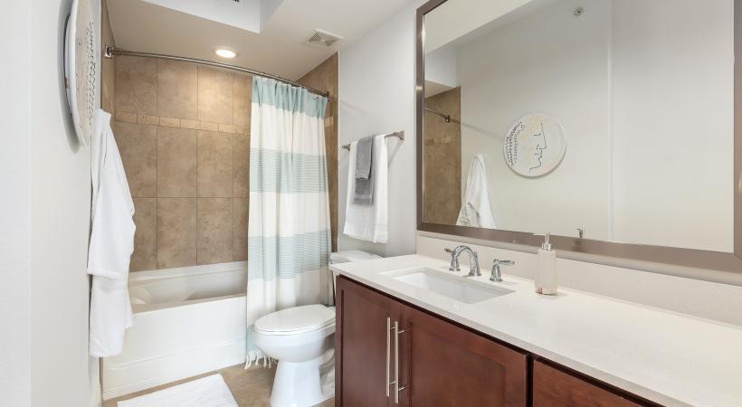 Quartz Countertops with Undermount Sinks
