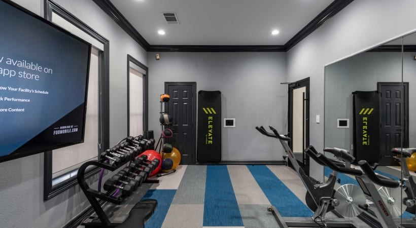 Deep Ellum apartments with fitness center