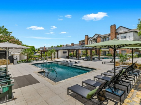 West Plano apartments with swimming pool