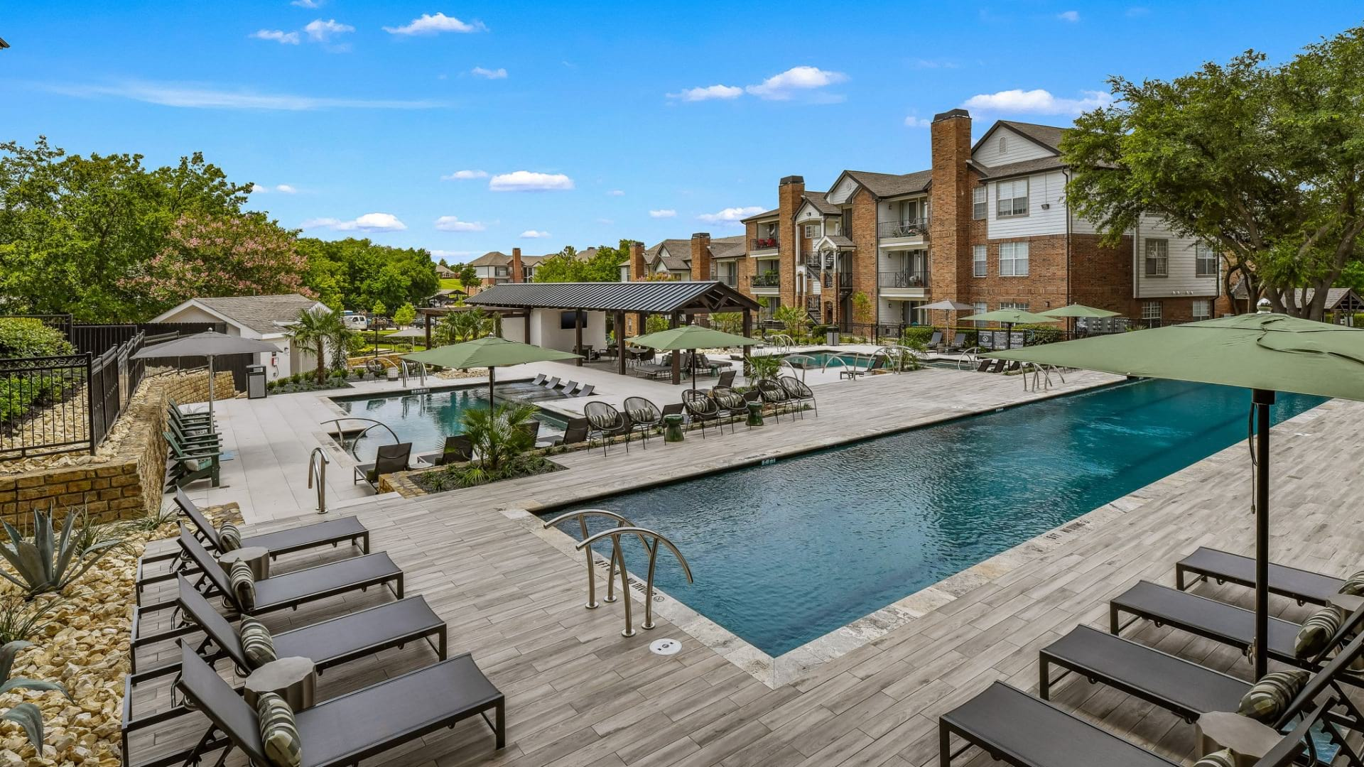 Plano apartment pool with sun deck