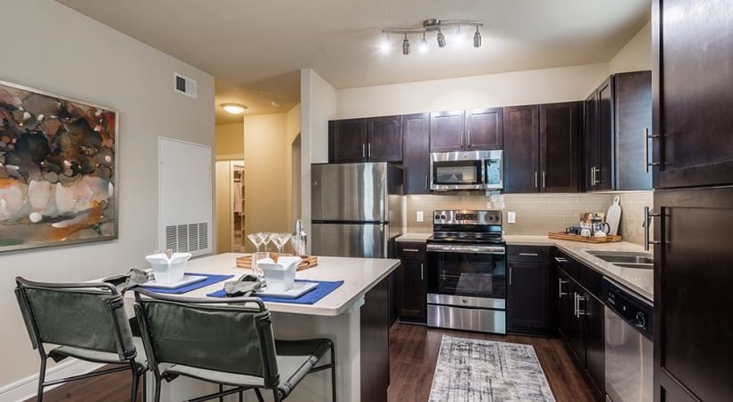 Luxury apartment kitchen at Cortland Waters Edge