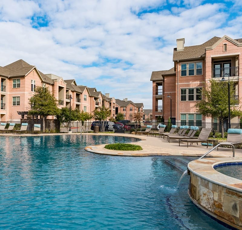 Town Center By Cortland: Luxury Farmers Branch Apartments