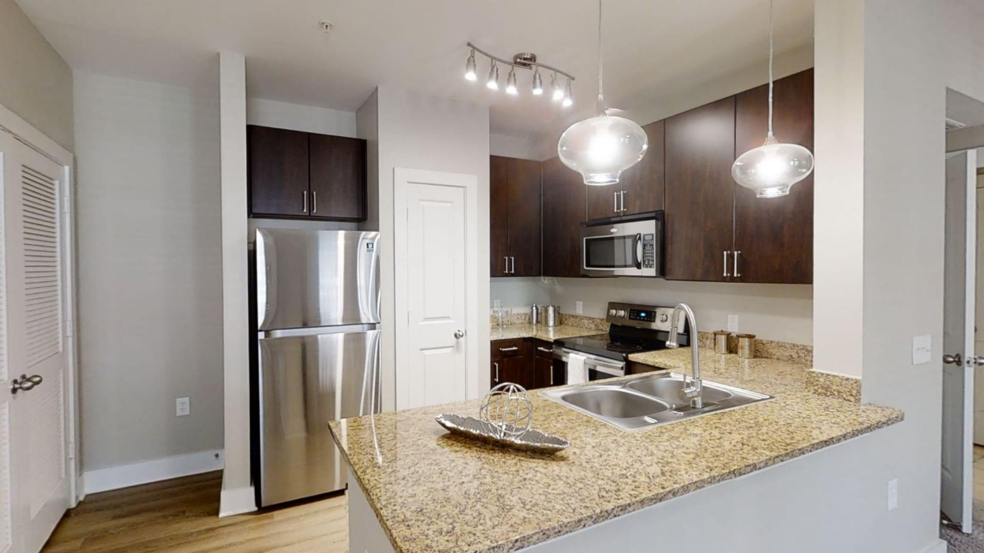 1, 2, and 3 Bedrooms Apartments in League City, TX