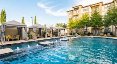 Addison apartments with swimming pool