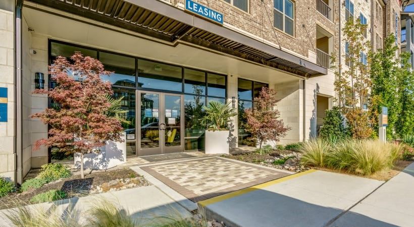 Front leasing office of Circa apartments in Frisco, TX