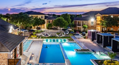 Fossil Creek apartments with swimming pools