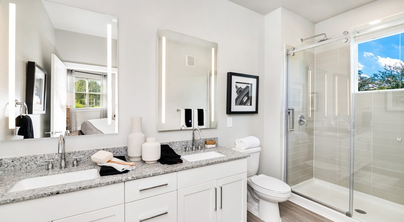 Apartments with double sink vanity in Kissimmee