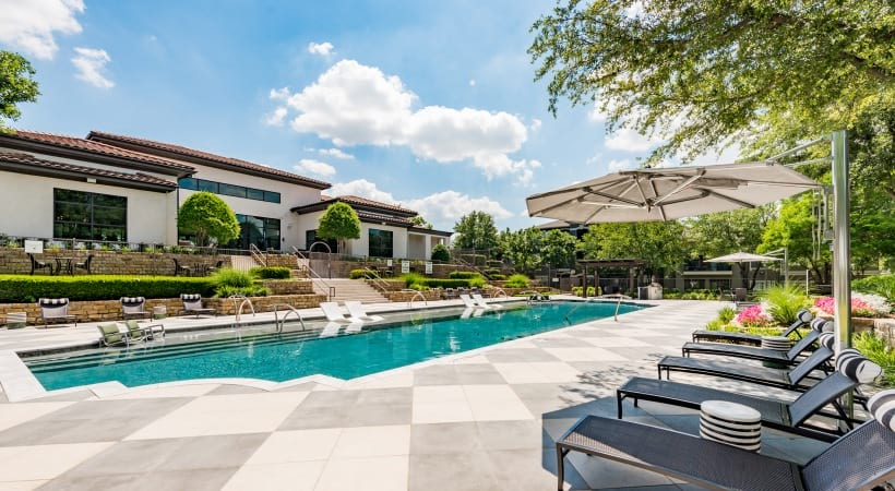Apartments in Irving, TX with swimming pool