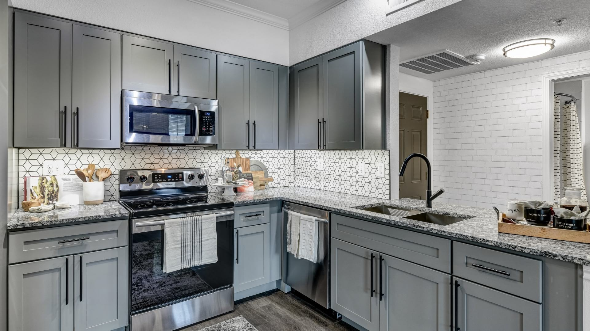 Modern apartment kitchen at Cortland North Plano