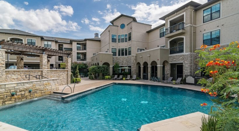 Resort-Style Pool at our Westfort Broadway apartments
