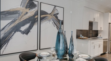 Modern art and furniture at our luxury apartments in Cypress, TX