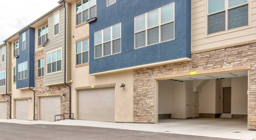 Our Broomfield apartments with garage